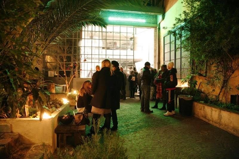 Lugar para exposições de artistas mulheres