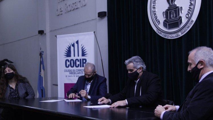 Firman convenio para el estudio del mercado inmobiliario de Rosario y la región