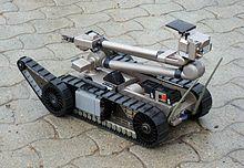 Mini-robot de desactivación de explosivos iRobot Packbot 510 del Ejército de Tierra Español.