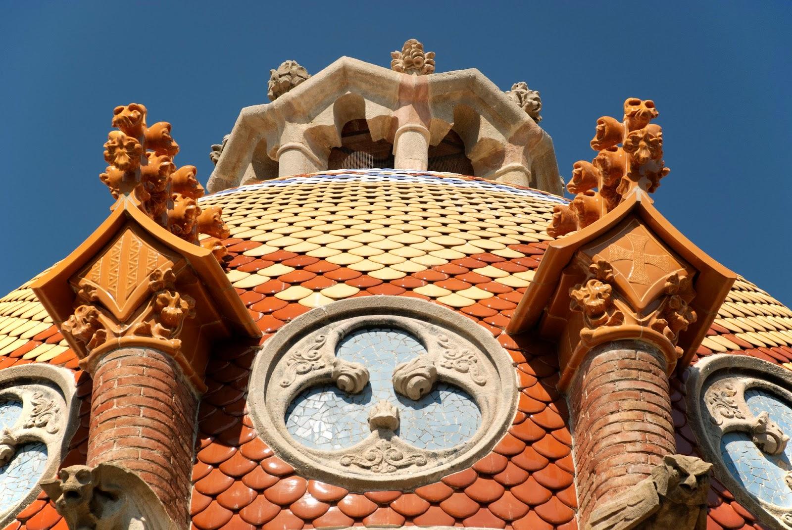 Desain-Desain Arsitektur Ibukota Terunik dan Spektakuler