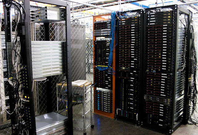 Differences Between Dedicated Hosting and Dedicated Server