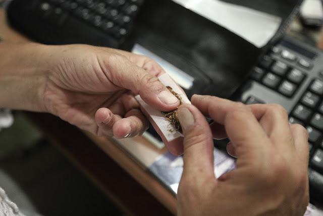 Αντικαπνιστικός νόμος: Πού κόβεται «μαχαίρι» το τσιγάρο - Τα «τσουχτερά» πρόστιμα