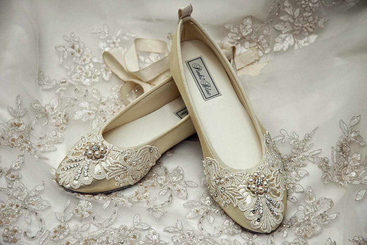 Τα flat wedding shoes είναι η ιδανική επιλογή για τα πιο άνετα βήματα  αγάπης 1fd81c4dcea