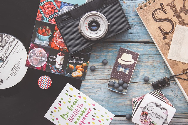 flatlay-camera-blogger-design