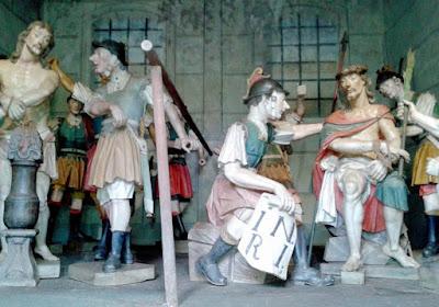 Cenas da Via Sacra - Jesus e os Soldados Romanos