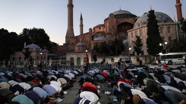 Ο Ερντογάν στηρίζει την αναγέννηση μιας ισλαμικής Τουρκίας στην Αγία Σοφία
