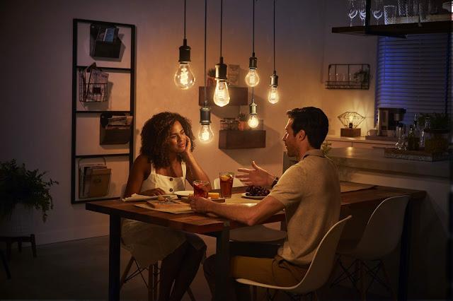 Ofereça um estilo vintage à sua casa inteligente com as lâmpadas com filamento Philips Hue