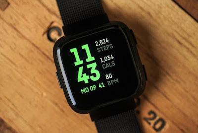 ساعة ذكية تقيس معدل نبضات القلب