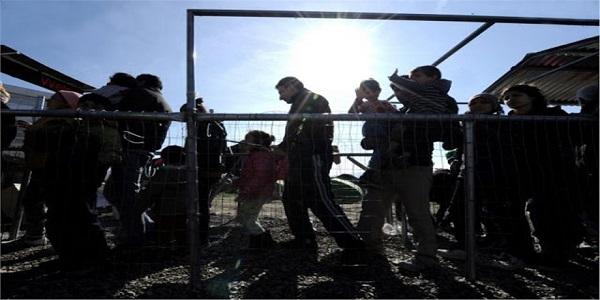 Η κυβέρνηση ετοιμάζεται για εγλωβισμό 500.000 προσφύγων στην Ελλάδα