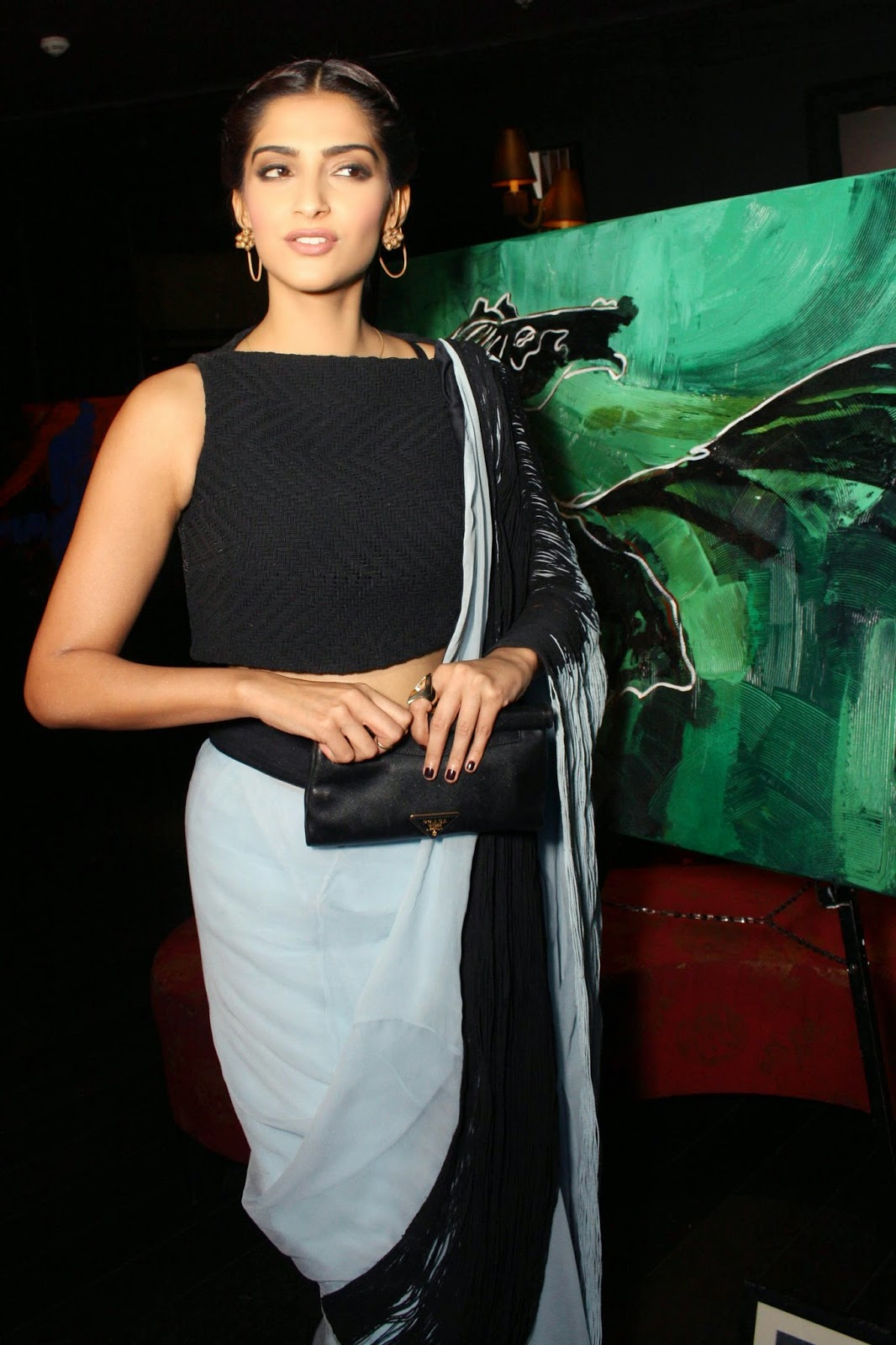High Quality Bollywood Celebrity Pictures Sonam Kapoor -8297
