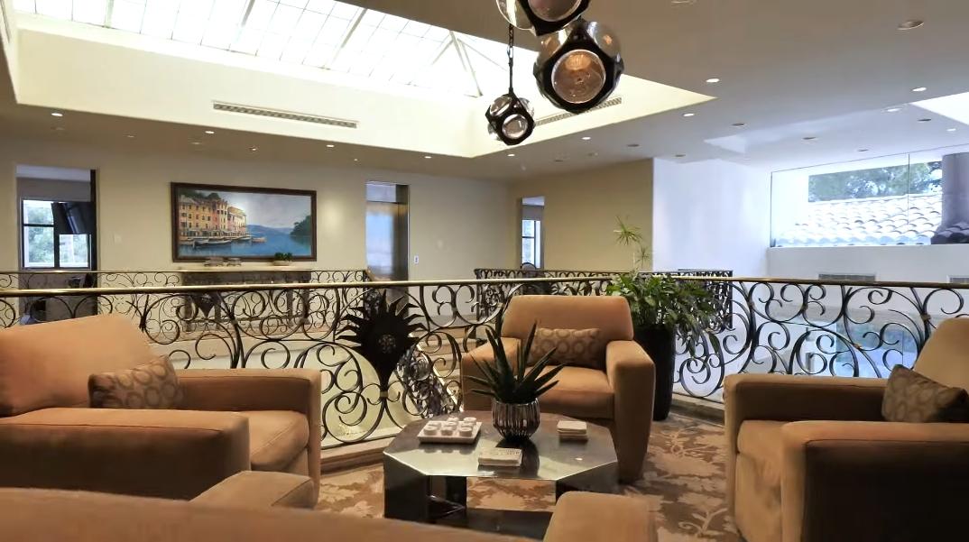 83 Photos vs. Tour 93 Spanish Gate Dr, Spring Valley, NV Ultra Luxury Mega Mansion