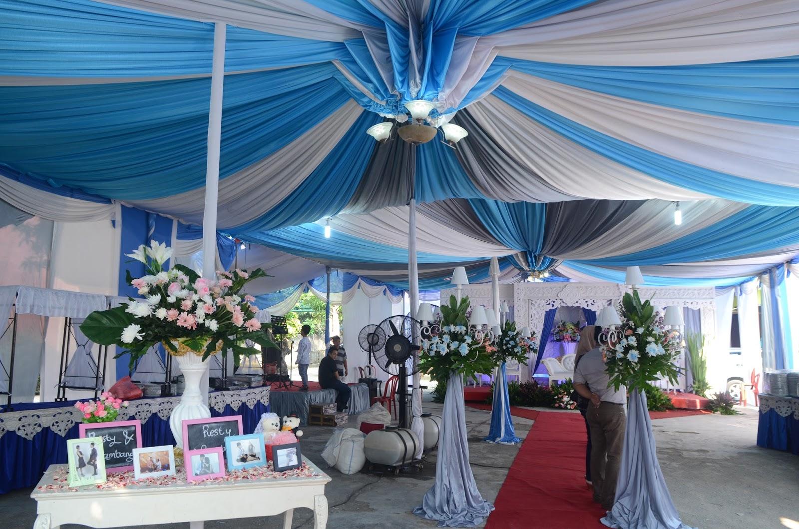 gambar dekorasi pelaminan dan tenda di