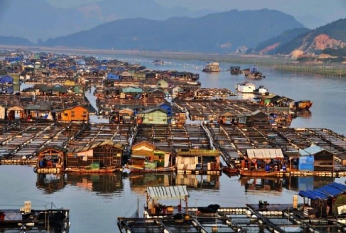 Tanka Community - The Floating Homes