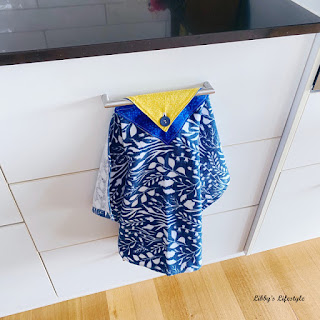 Learn how to sew a modern hanging kitchen towel. Tutorial by Libby's Lifestyle.