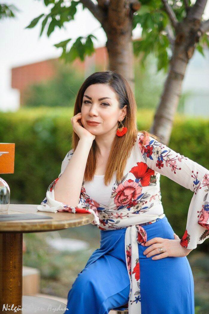 alışveriş-çiçekli ve fırfırlı bluz-moda blogu