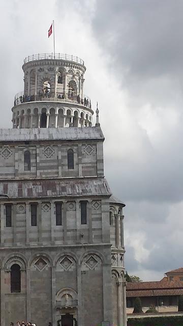 il campanile del duomo di pisa