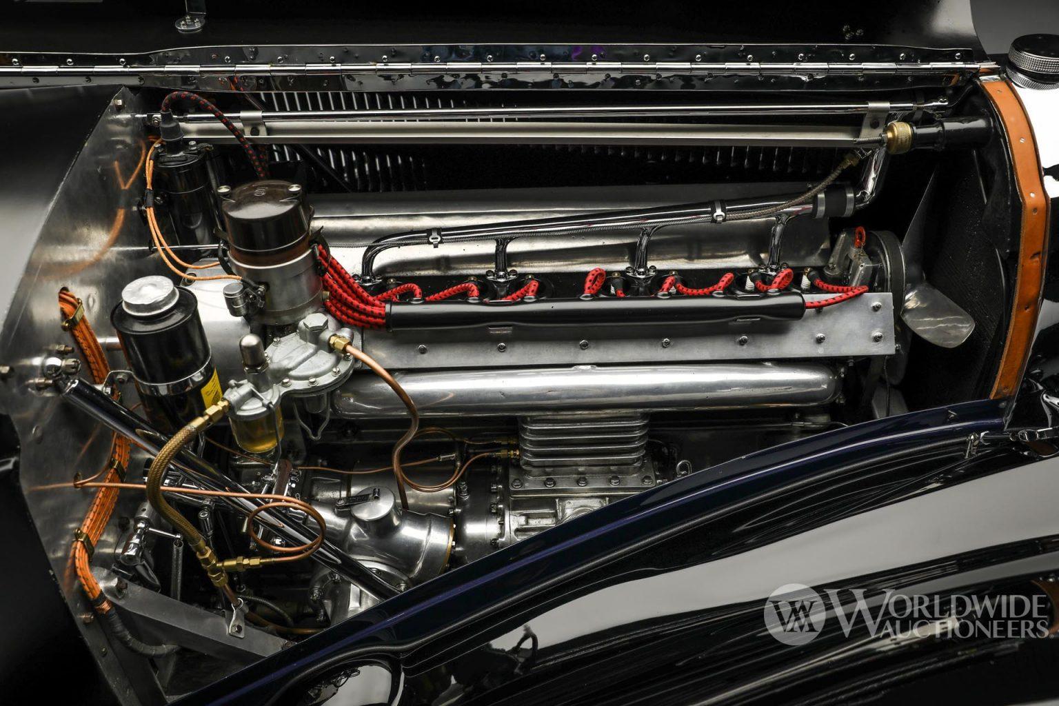 بوجاتي تايب 57 سي أتالانت كوبيه موديل 1938 المحرك
