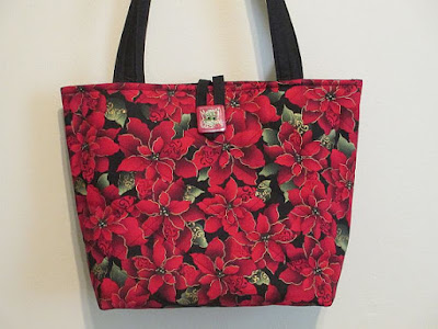 Poinsettia quilted purse