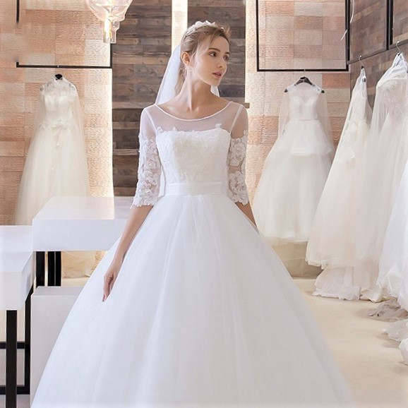 http://uk.millybridal.org/product/ball-gown-scoop-neck-tulle-appliques-lace-floor-length-1-2-sleeve-online-wedding-dresses-ukm00022680-17967.html?utm_source=post&utm_medium=1640&utm_campaign=blog