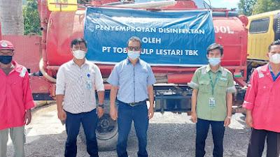 Cegah Covid-19 di Kota Parapat, PT TPL Lakukan Penyemprotan Disinfektan