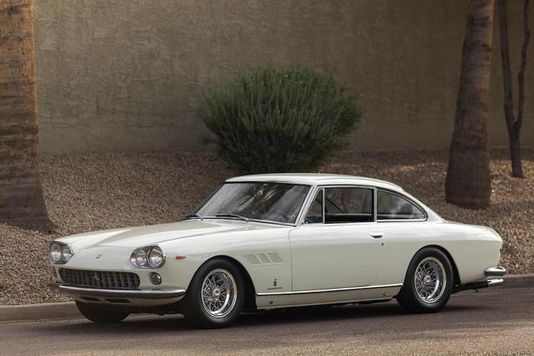 Ngắm siêu xe Ferrari 330 GT 1962 của 'ông trùm' Enzo Ferrari
