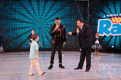 Felipe Araújo, Leonardinho e Raul – (Foto: Rodrigo Belentani/SBT)