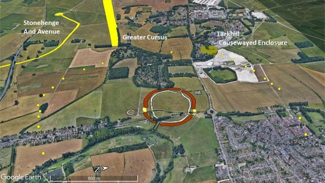 Large Late Neolithic pit structure found near Stonehenge