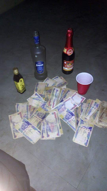 FB IMG 1515759912309 - Photos: Lol... young Nigerian hustler shows off his money and drinks