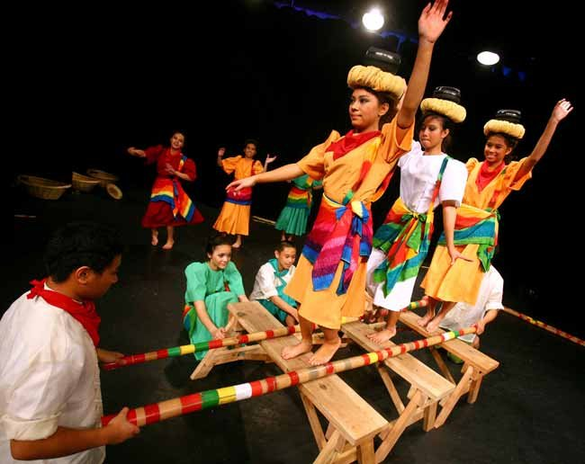 philippine folk dance essay Philippine folk music known for her voluminous collection of folk dances, people watching the dance sing the songs in the same way that cheerers chant in a game.