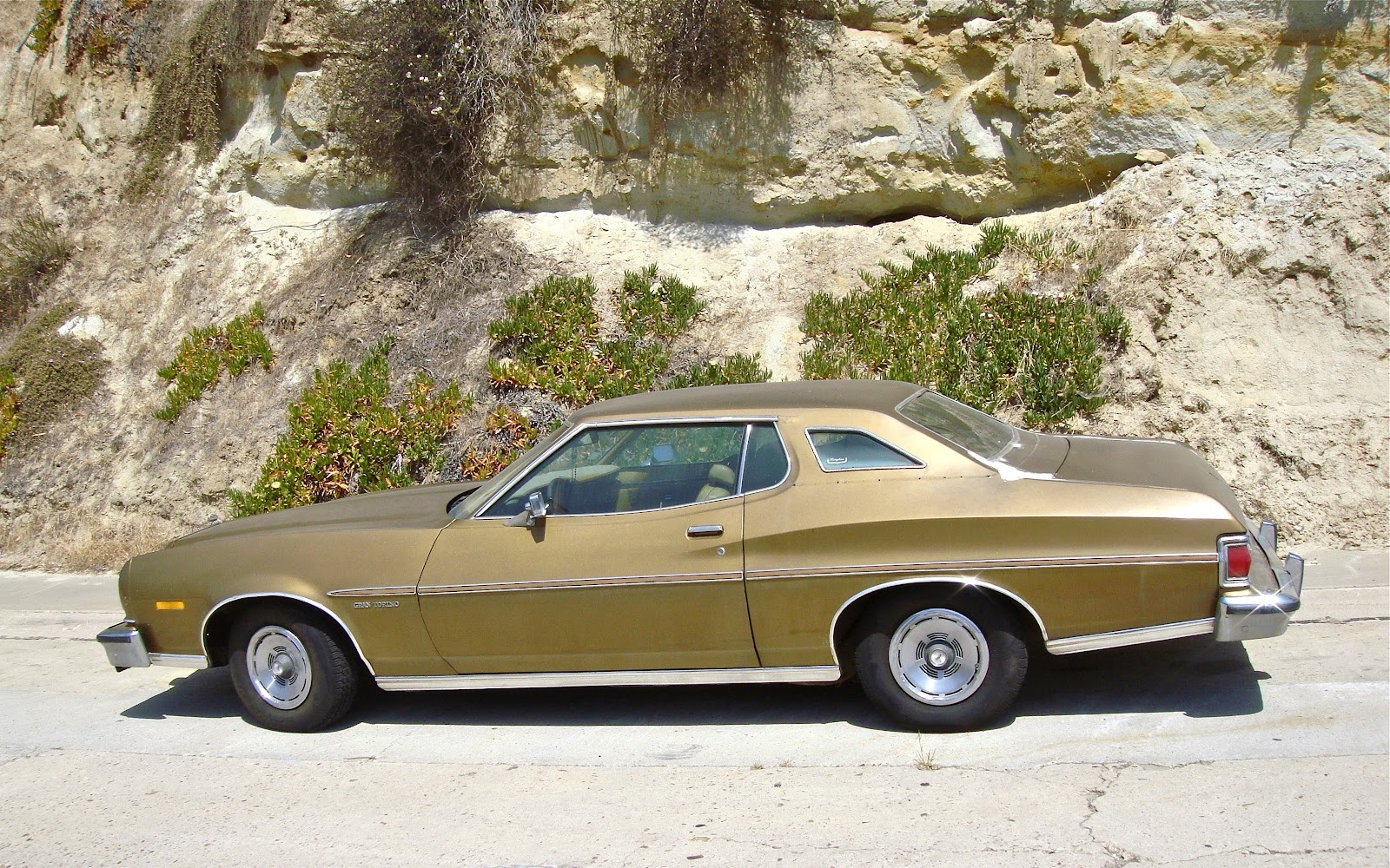 the street peep 1975 ford gran torino brougham coupe. Black Bedroom Furniture Sets. Home Design Ideas
