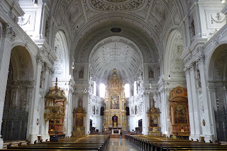 Interior de Michaelskirche.