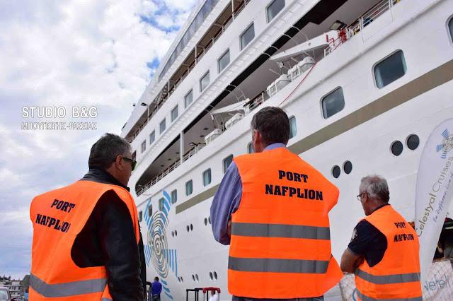 Παρθενικό ξεκίνημα κρουαζιέρας του Celestia Nefeli που χρησιμοποιεί για πρώτη φορά ως home port το Ναύπλιο (βίντεο)