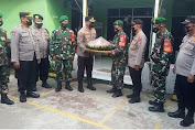 HUT TNI Ke-76, Kapolsek Tambora Beserta Jajaran Kunjungi Makoramil 02/TB