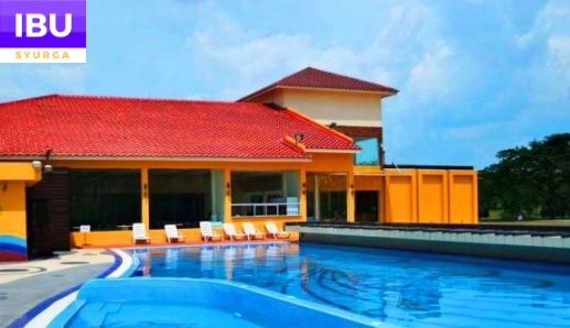 A Famosa Resort Hotel swimming pool