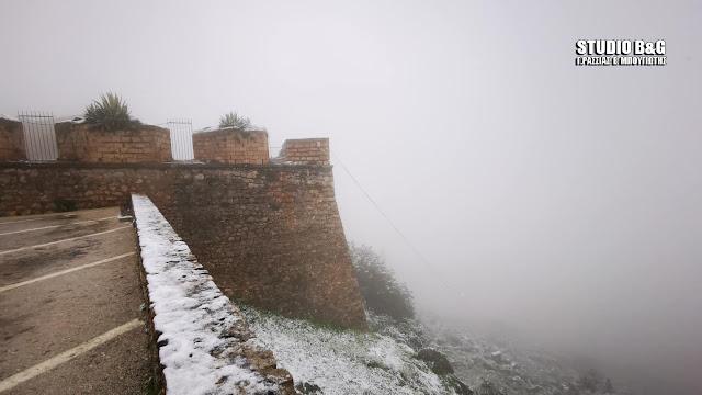 Χιονίζει σε όλη την Αργολίδα - Στα άσπρα ντύθηκε και το Παλαμήδι - Κλειστά τα σχολεία στον Δήμο Ναυπλιέων