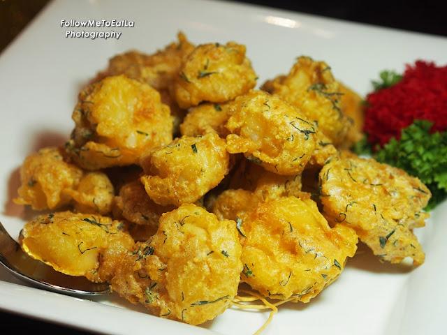 Wok-Fried Sea Prawns Tossed With Golden Salted Egg Glaze