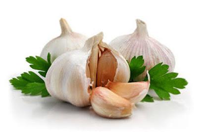 Kegunaan bawang putih untuk menghilangkan jerawat