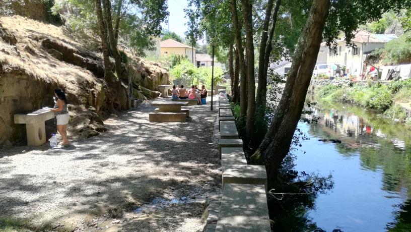 Parque de Merendas da praia fluvial de Mesão Frio