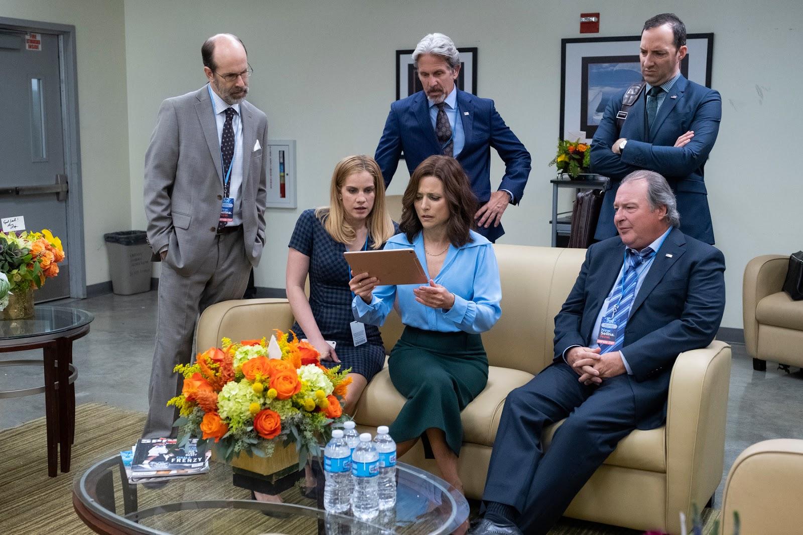 Selina Meyer, Amy, Gary, Kent y Ben en la temporada 7 de Veep