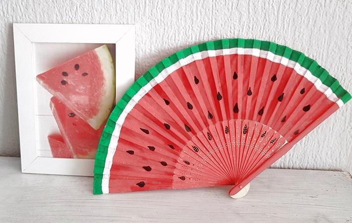 Wassermelonen-Faecher-bemalt-mit-Melonenbild