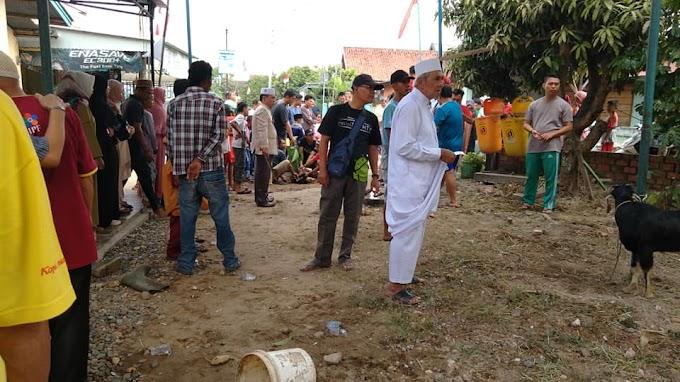 Suasana Penyembelihan Hewan Qurban di Tanjung Sari Kasang Jambi Timur