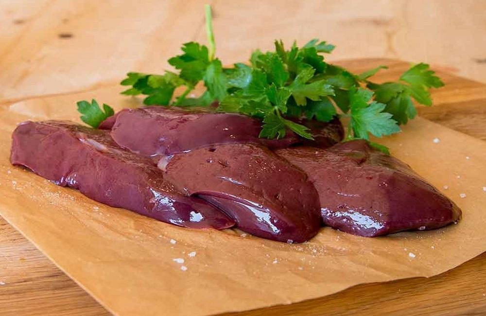 Por que o fígado é um alimento denso em nutrientes