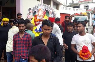 गणपति बप्पा मोरया के जयकारों के साथ प्रतिमा का हुआ विसर्जन | #NayaSaberaNetwork