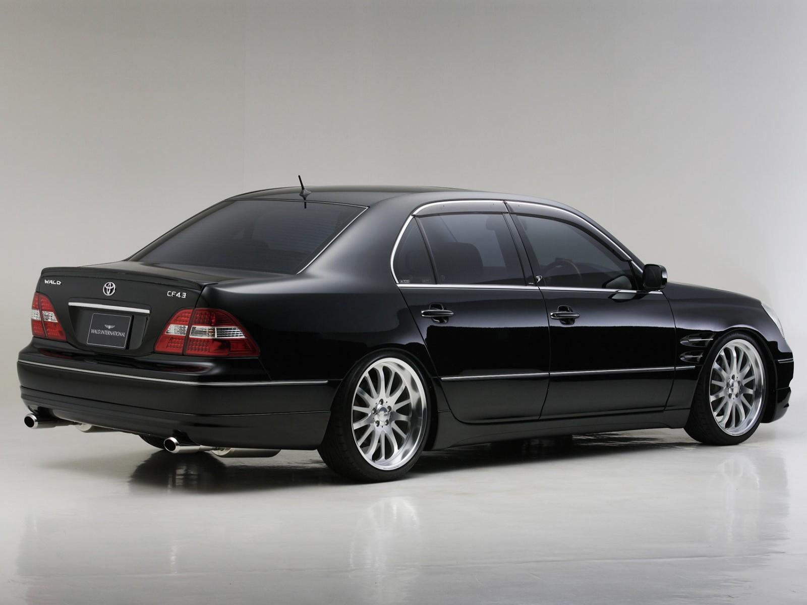 2014-Lexus-IS-BMW-3-Series Lexus Is