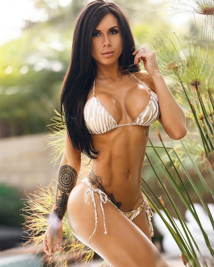 Savanna Rehm fitness bikini