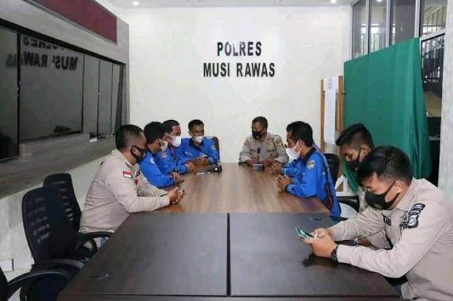 FKWM Jalin Silaturahmi Kepolres Mura