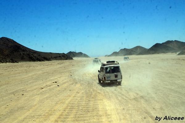 cu-jeep-ul-dune-nisip-desert-Egipt