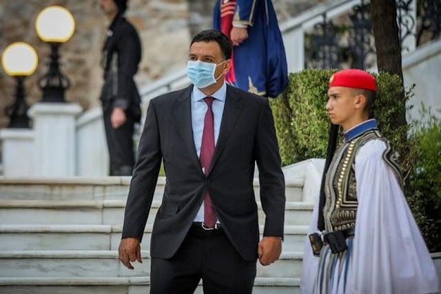 Προεδρικό Μέγαρο: 500 καλεσμένοι, μόνο ένας με μάσκα (φώτο)