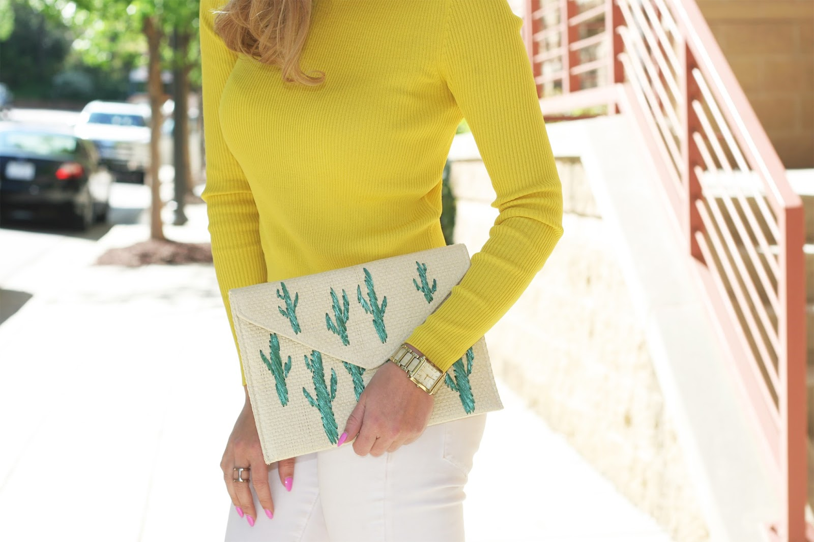 Statement-clutch-for-summer-straw-envelop-bag-embroidered-with-cactus-print