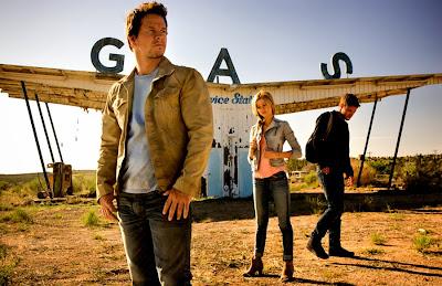 Jack Reynor, Nicola Peltz şi Mark Wahlberg în Transformers: Age Of Extinction